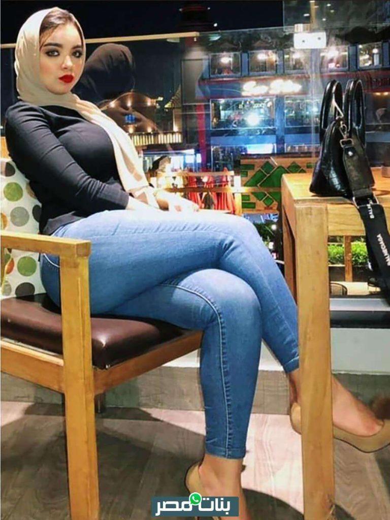 صور بنات محجبات في كافية بنت محجبة سورية جميلة وجينز ضيق